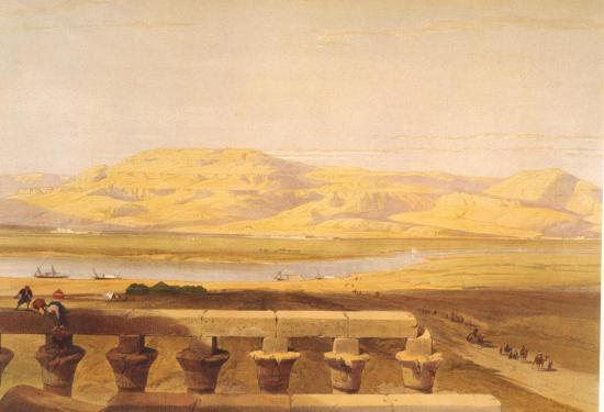 Vue sur la chaine des montagnes de Lybie depuis le temple de Louxor