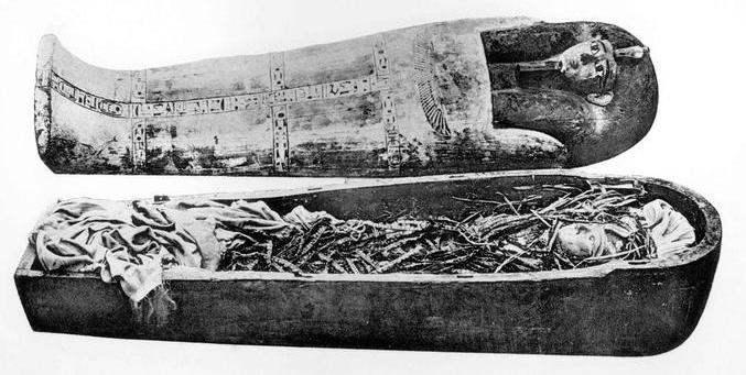 amenhotep-i-cartonnage.jpg