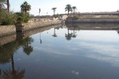 Le lac sacré du temple de Karnak