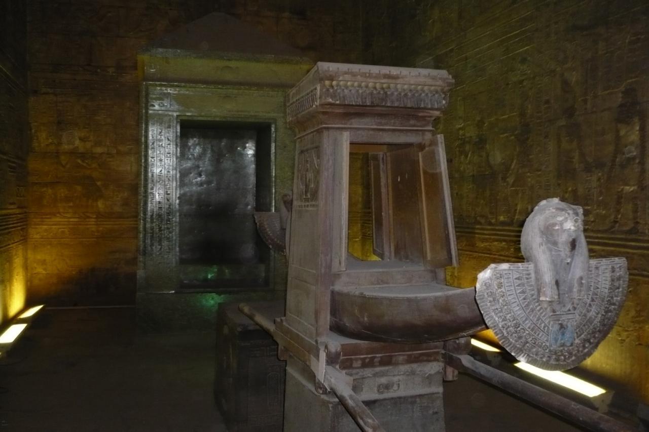 Le Naos au temple d'Edfou