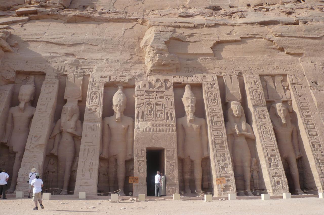 Abou Simbel temple de Nephertari