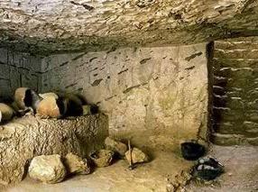 tombe inachevée de Thoutmosis II