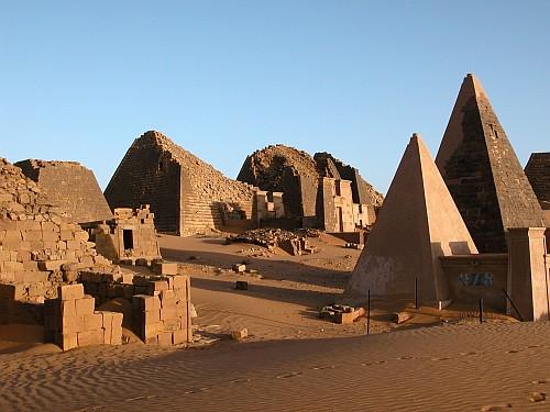 pyramides-de-nubie.jpg