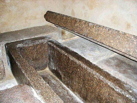 Sarcophage 1